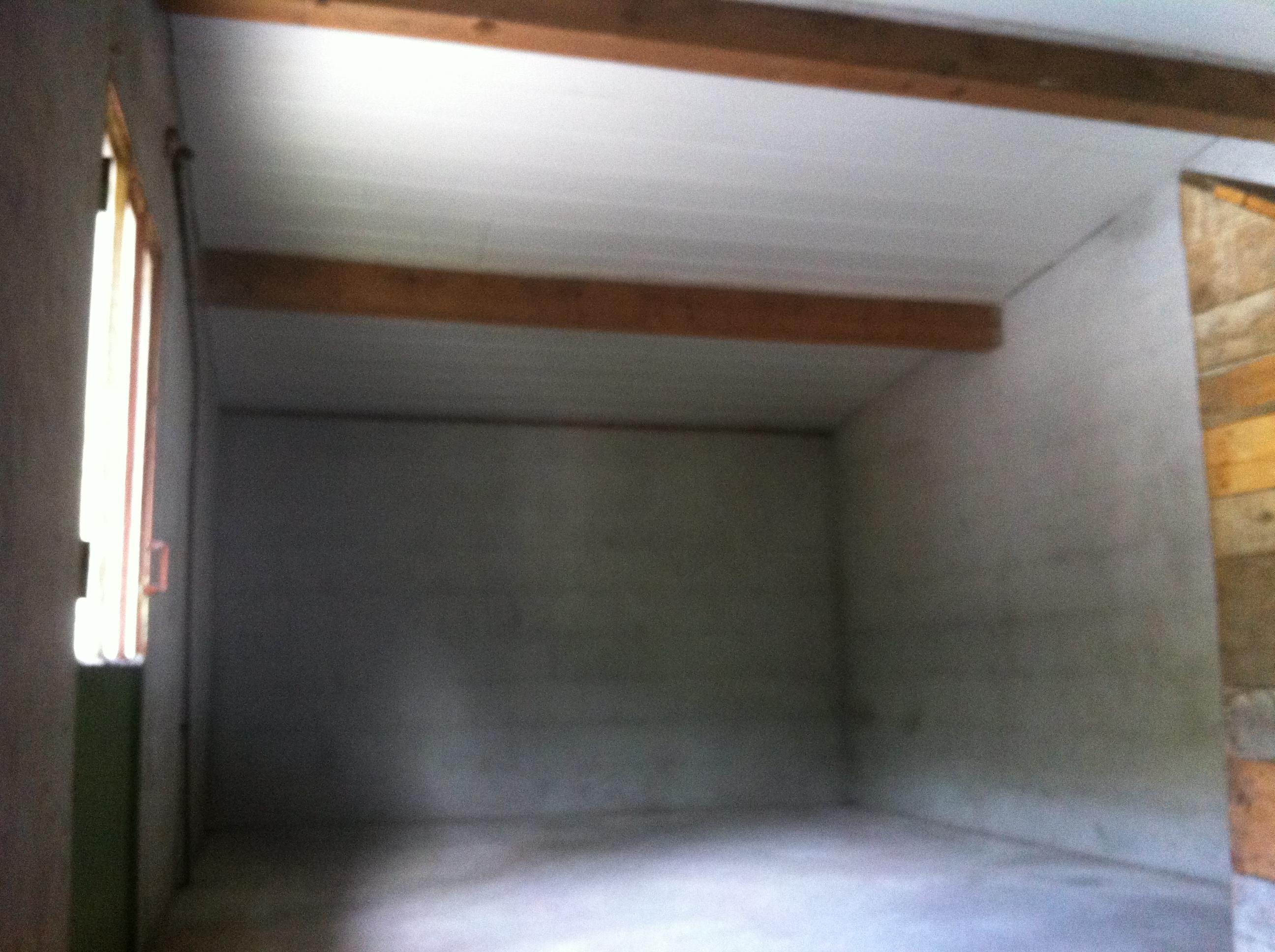 plafond du poulailler et nettoyage blog maison. Black Bedroom Furniture Sets. Home Design Ideas