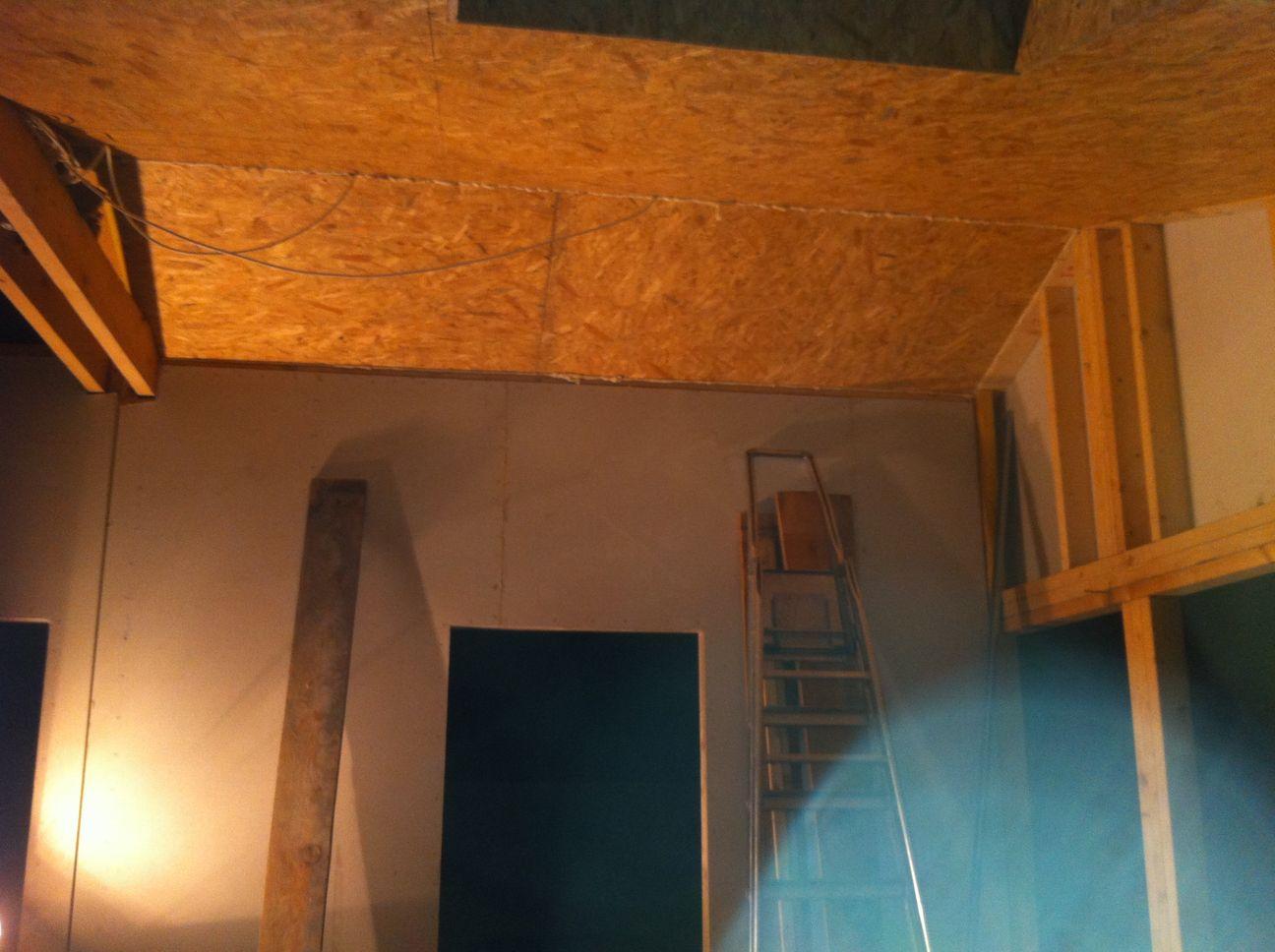 Plafond en osb for Dalle plafond salle de bain